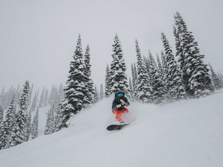 Kimmy Fasani rippin' through Fernie.
